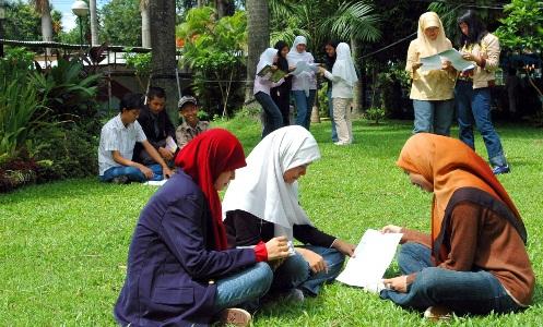 Perlunya Beretika Baik Bagi Mahasiswa Forum Pintar